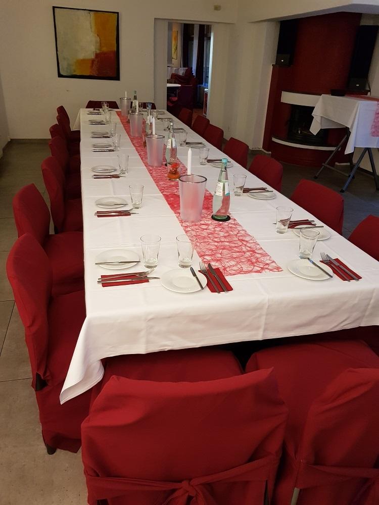 Tisch_Kaminzimmer